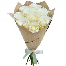 Букет Белые розы в крафте из 9 роз
